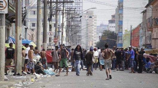 Ponto de consumo de Crack em São Paulo, a chamada Cracolândia. (Nelson Antoine/Fotoarena)